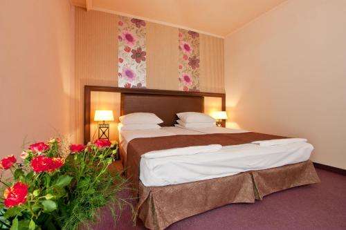 Superior Double Room (2 Adults + 1 Child up to 6.99 years old)
