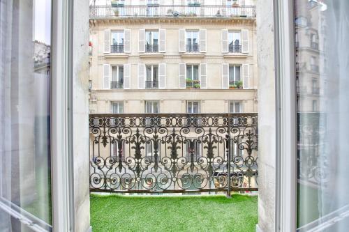 24 Luxury Parisian Home Montorgueil photo 8