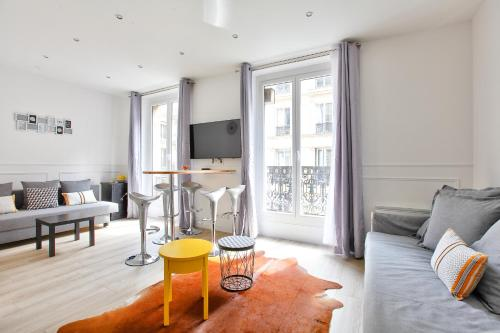 24 Luxury Parisian Home Montorgueil impression