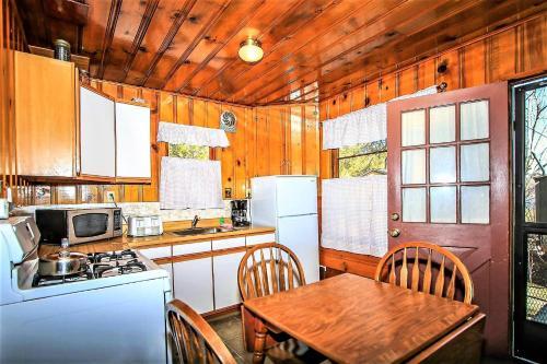 ~lupine Cabin #106~