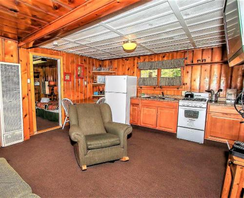~lakeview Cabin #104~ - Big Bear Lake, CA 92315