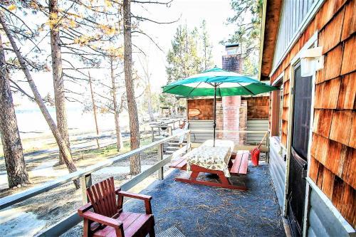 ~lakeside Cabin #109~