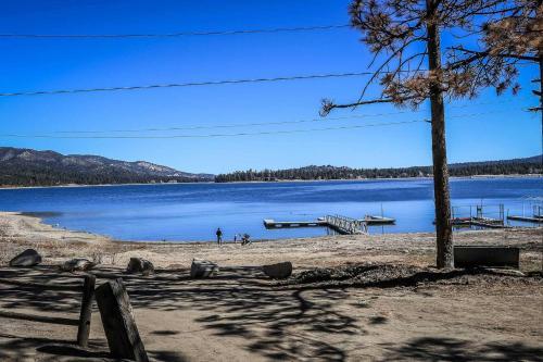 ~lakefront Cabin #110~