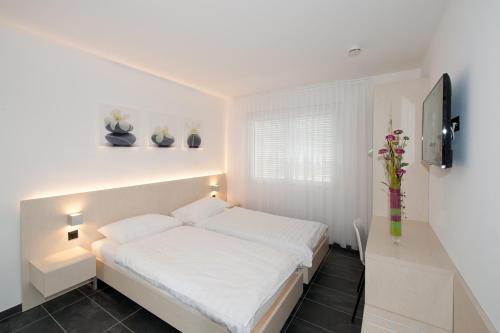 . Hotel Morobbia
