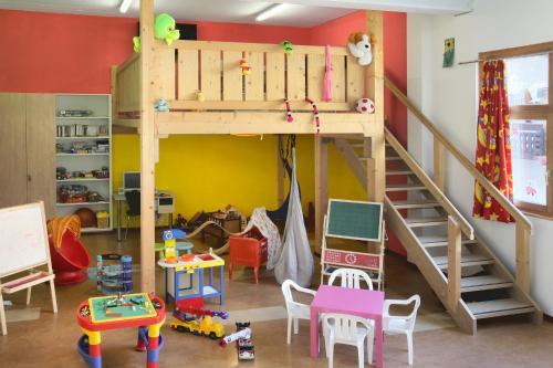 Apartment Flora - Saas Almagell