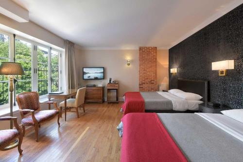 Hotel Bonaparte - Photo 8 of 30