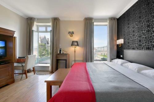 Hotel Bonaparte - Photo 7 of 30