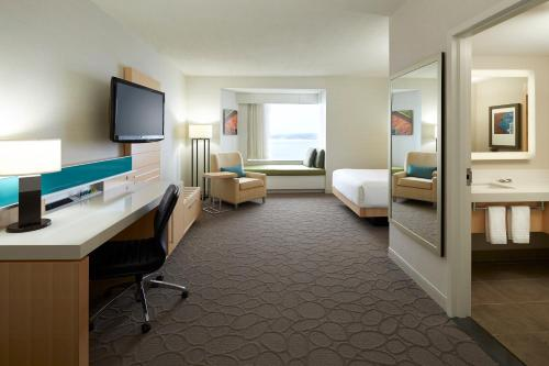 Delta Hotels By Marriott Prince Edward - Photo 8 of 61