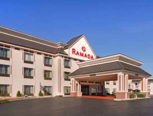 Ramada By Wyndham Harrisburg/Hershey Area - Harrisburg, PA 17112