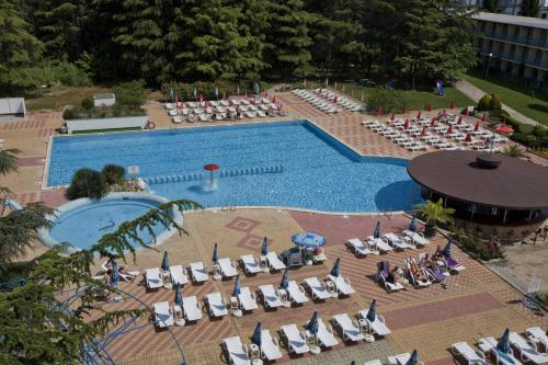 . Continental Park Hotel