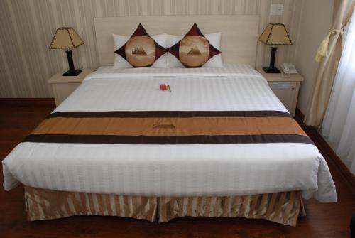 Mountain Town Hotel