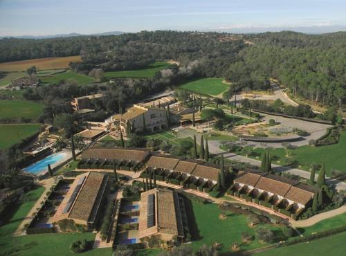 Afueras de Torrent s/n, 17123 Torrent, Costa Brava, Spain.