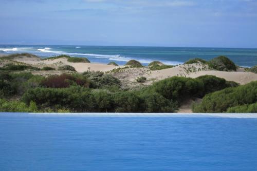 Moya Manzi Beach House