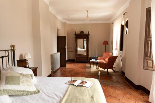Superior Double Room Hotel Cortijo del Marqués 8