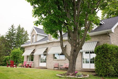 Rock Hill Bed & Breakfast - Accommodation - Sharbot Lake