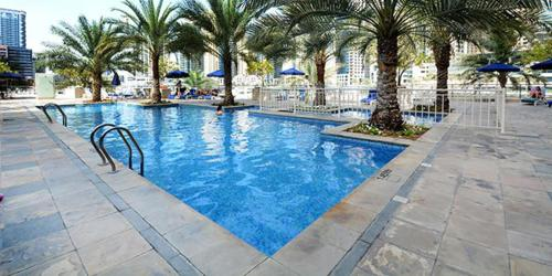 Luxurious Apartment Marina View - image 4