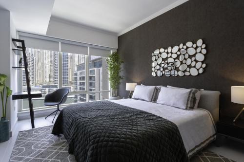 Luxurious Apartment Marina View - image 6