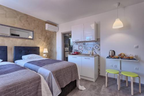 Hotels Near Zagrebacka Banka Pula Best Hotel Rates Near Banks