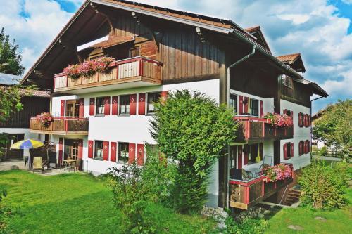 . Alpenstern Finy, Bio-Gästehaus