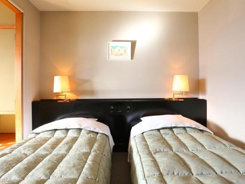 Room #79933209