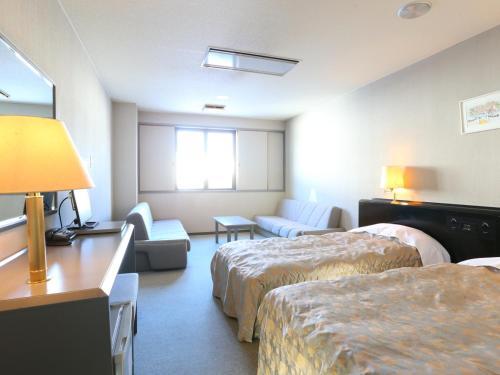 Room #79933206