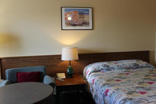 . Wheatland Motel