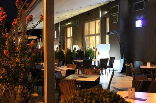 . EQ Hotel