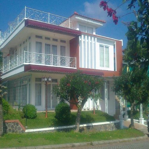 Santibi Villa Seruni N, Cianjur