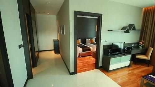 The Vertical Suite photo 52