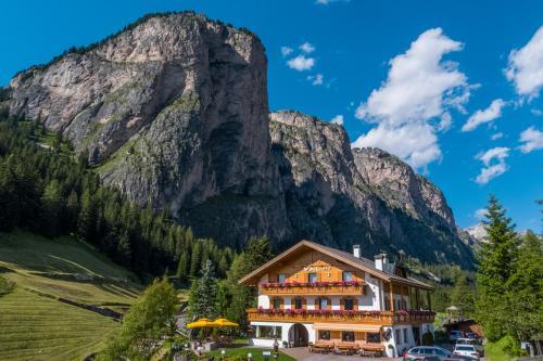 Hotel Val Wolkenstein-Selva Gardena