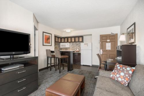 Staybridge Suites Wilmington-Newark - Newark, DE 19702