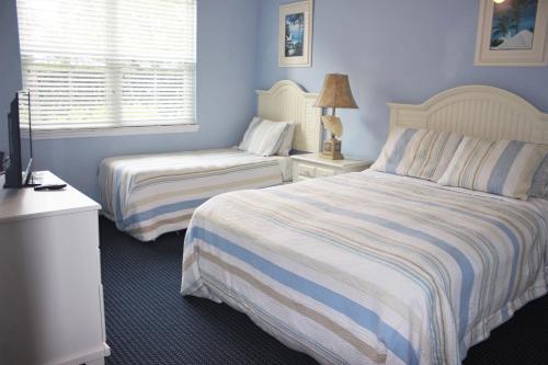 Runaway Beach Club Resort 2 Bedroom Vacation Condo - RW15103 Main image 2