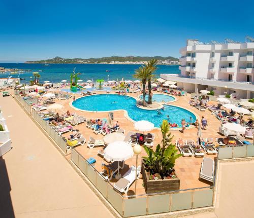 . Playa Bella Apartments
