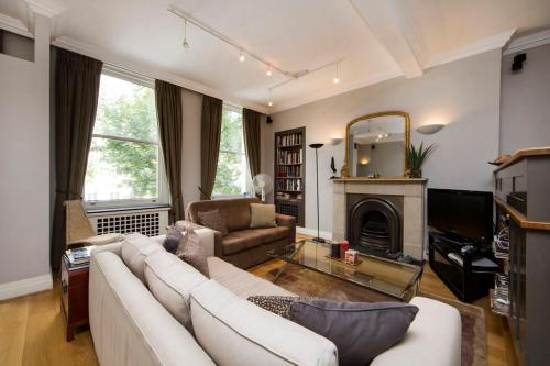 Stanhope Mews Luxe
