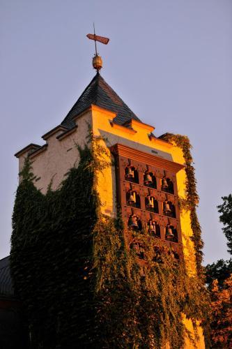 . Breuer's Rüdesheimer Schloss