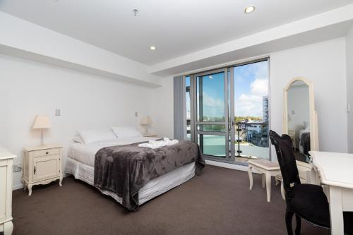 . Beautiful Central Home with Balcony Auckland City
