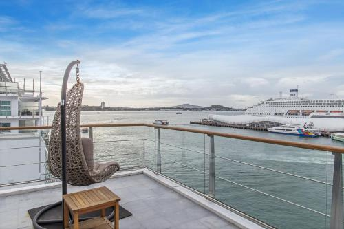 Princes Wharf 1BR Sub-Penthouse with Panoramic City & Ocean Views - Apartment - Auckland