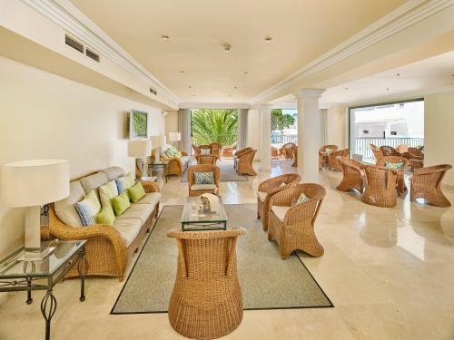 Ria Park Garden Hotel - Photo 8 of 48