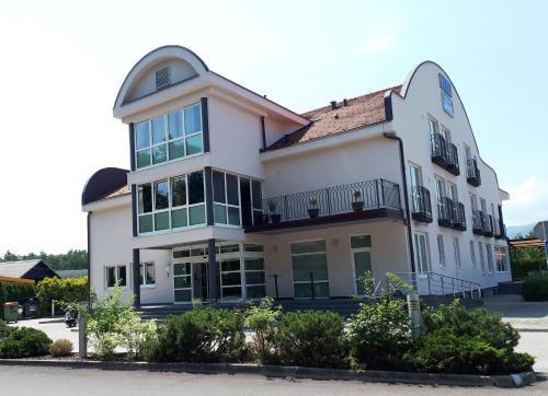 . Maribor INN Hotel