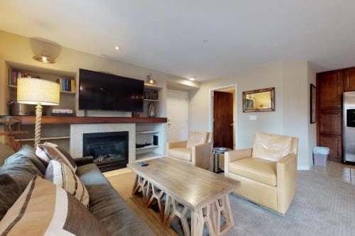 Sun Ray Ski Chalet - Apartment - Steamboat