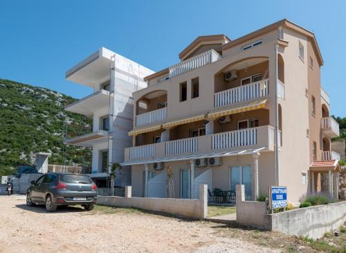 Apartments Batinović