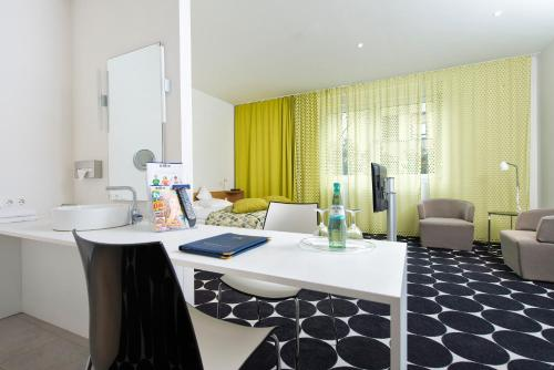 Tryp by Wyndham Frankfurt photo 9