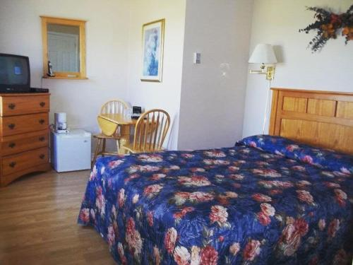 . New London Bay Motel
