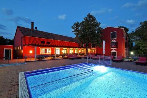 . Hotel Villa Donat