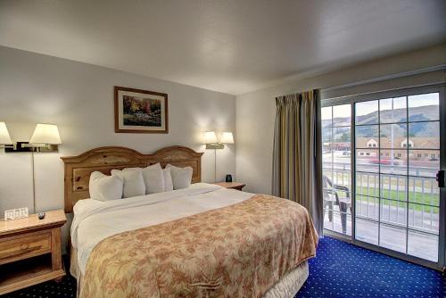 Days Inn & Suites By Wyndham Lolo - Lolo, MT 59847