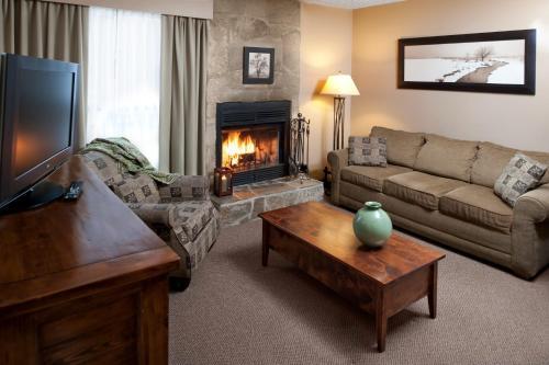 Maligne Lodge - Jasper, AB T0E 1E0