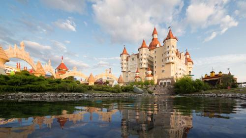 Фото отеля Sochi Park® Bogatyr Hotel - Tickets to the Park Included