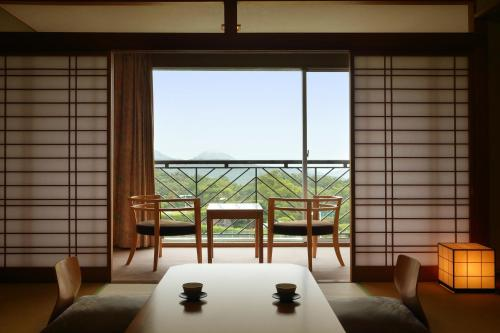 Japanese-Style Room with Sunset View - Smoking