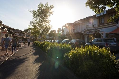 458 Avenue de Gaujacq, 40150 Soorts-Hossegor, France.