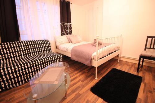 21Everard Guest Apartment